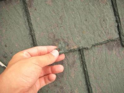 屋根塗装のはがれ